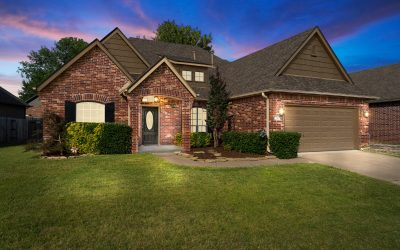 Wonderful Battle Creek home near golf, shopping, medical and easy access to Tulsa Metro Area